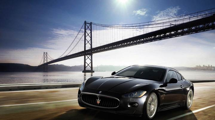 Maserati GranTurismo Running In Black Front Pose